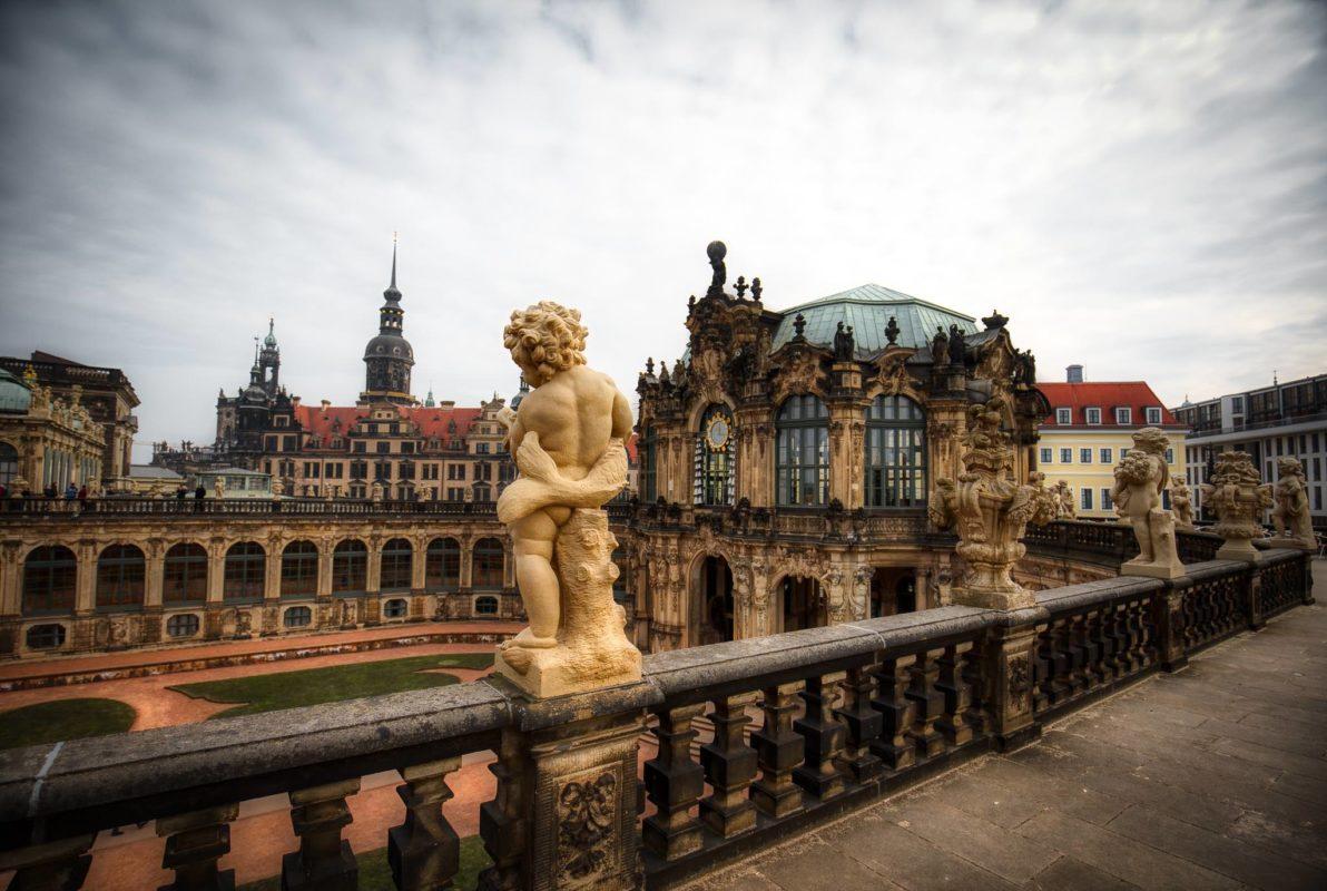 Terrasse mit Steinfigur Dresdner Zwinger